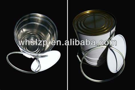 White Tin Pail With Lid And Iron Hoop