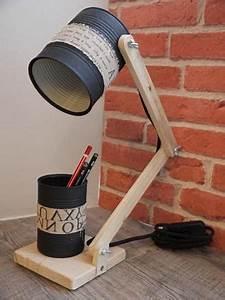 Bricolage Avec Objets De Récupération : cette lampe de bureau est r alis e au maximum avec des objets de r cup ration conserves brutes ~ Nature-et-papiers.com Idées de Décoration