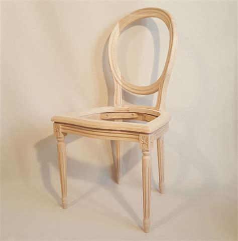 chaise style louis xvi chaise louis xvi medaillon cannee les beaux sièges de