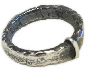 outlander wedding ring outlander merch one ring to rue them all that 39 s normal