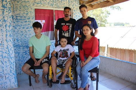 TV GC - Família de menino com doença rara precisa de ajuda ...