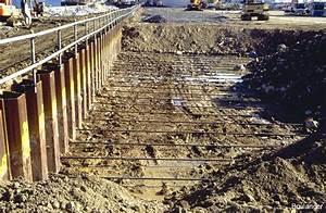 Sheet Piles & Vibratory Hammer-1 – Geotechnical Photo Album