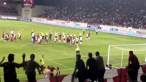 Η είσοδος των ομάδων, οι πανηγυρισμοί μετά το γκολ και