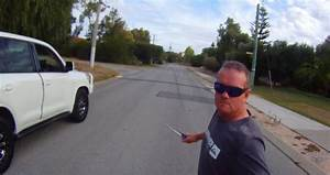 CRAZY ROAD RAGE INCIDENT WITH KNIFE!   Thrill Blender