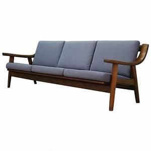 Sofa Dänisches Design : h j wegner sofa danish design vintage at 1stdibs ~ Watch28wear.com Haus und Dekorationen