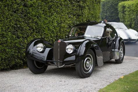 It is believed that the second of four atlantic bodies built by bugatti was fitted on chassis 57453. Ralph Lauren's Bugatti 57SC Atlantic 'Best of Show' at Concorso d'Eleganza | PerformanceDrive
