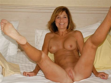 Milfs Naked Milfs Spreading Legs Spreading Pussies