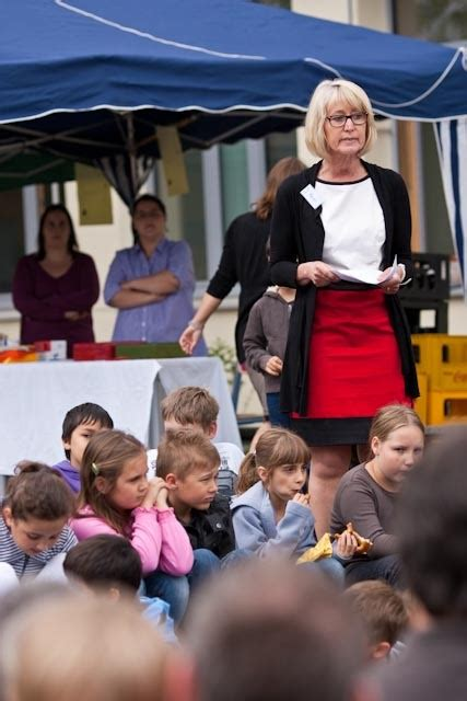 Frau Meier Le by Die Schuleiterin Frau Meier Begr 252 223 T Die G 228 Ste 171 Mira Lobe