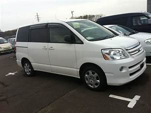 Toyota Noah X Special Edition  2006  Used For Sale