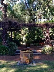 Elaine Travels: Garden Oasis in Los Angeles