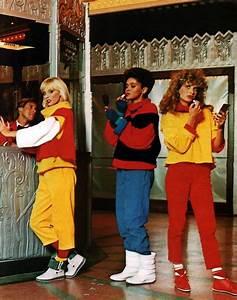 Achtziger Jahre Mode : candie s seventeen magazine september 1984 80s fashion 80er jahre mode mode und rollschuhe ~ Frokenaadalensverden.com Haus und Dekorationen