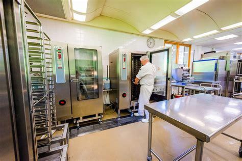 cuisine centrale ile de travaux a la cuisine centrale de chamonix pendant l 39 ete