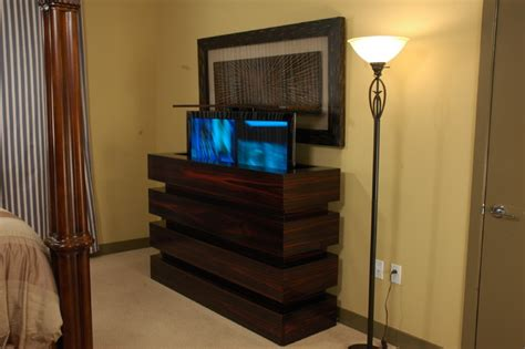 Schlafzimmer Tv Schrank by Le Bloc Tv Lift Cabinet In Bedroom Tv Lift Cabinets By