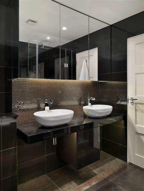 Waschtisch Modelle Fuers Badezimmer by Badezimmer Dunkle Fliesen Metall Optik Doppel Waschtisch