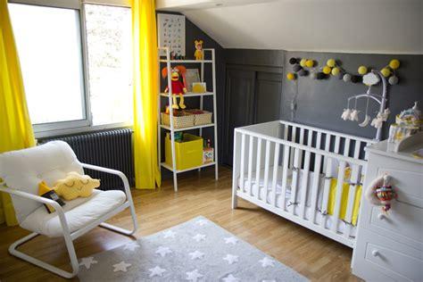 modele chambre bebe modèle décoration chambre bébé jaune