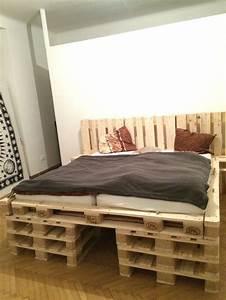 Bett Mit Paletten : paletten bett aus 18stk europaletten zesch pinterest ~ Sanjose-hotels-ca.com Haus und Dekorationen
