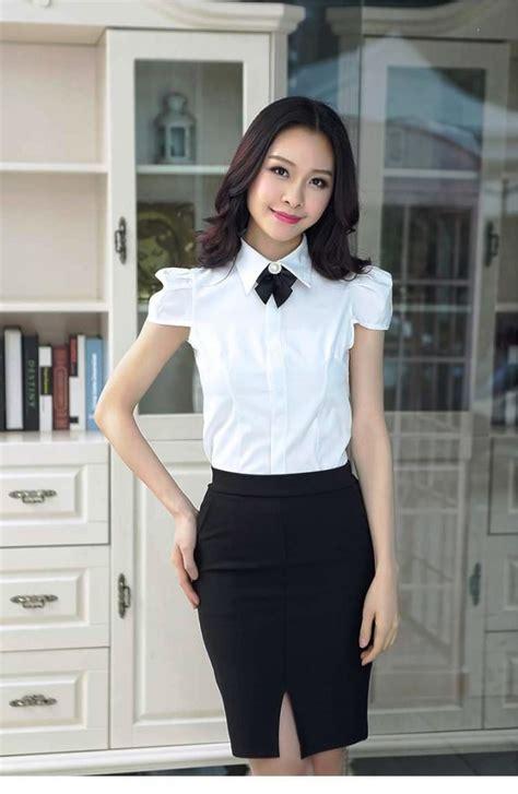 Terutama saat menjalani proses wawancara kerja rok yang terbuat dari kain non jeans selalu memberikan kesan formal. Ide 35+ Model Baju Dinas Hitam Putih Wanita