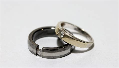 what is the meaning of a black ring sciencing