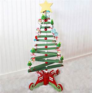16 Cool Wooden Christmas Tree Ideas