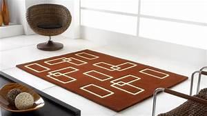Tapis Forme Geometrique : tapis 100 laine marron et beige avec formes g om triques ~ Teatrodelosmanantiales.com Idées de Décoration