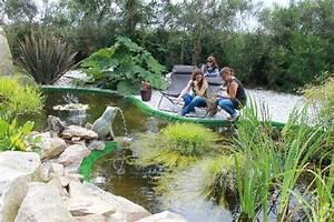 au bord du bassin exterieur picture of le domaine de With decoration de bassin de jardin