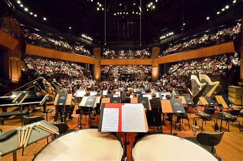 sur les pas de l actu la halle aux grains l 233 crin de l orchestre national du capitole de toulouse