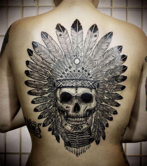 Photo  Tatouage Indien De Tête De Mort Dans Le Dos