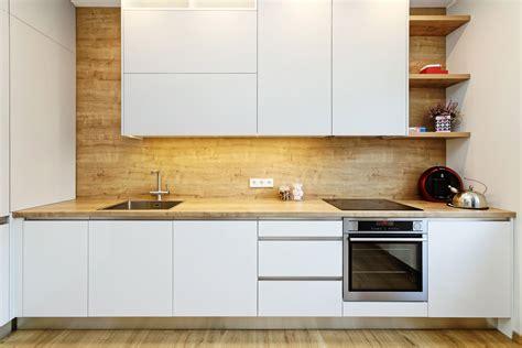 Virtuves mēbeles ar glancētām fasādēm - Virtuves.lv