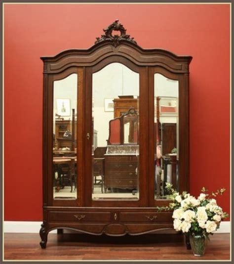 Oak Bedroom Armoire by Antique Oak 2 Door 3 Bevelled Mirrors Bedroom