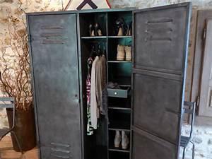 Armoire Industrielle Vintage : vestiaire industriel vintage dressing penderie ~ Teatrodelosmanantiales.com Idées de Décoration