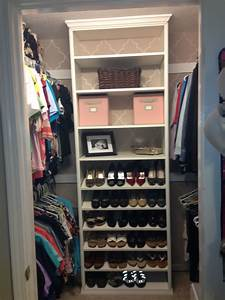 Walk In Closet Ideas With Showe Storage And Hanging ...