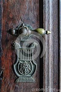 Poignée De Porte Vintage : poign e de porte de vintage sur la porte antique photo stock image 38905558 ~ Teatrodelosmanantiales.com Idées de Décoration