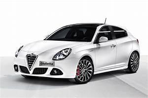 Alfa Romeo Giuletta : alfa romeo giulietta new photos autoevolution ~ Medecine-chirurgie-esthetiques.com Avis de Voitures
