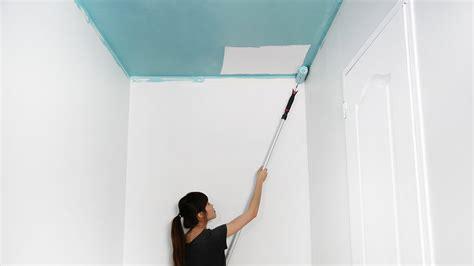 comment peindre un plafond de couloir en couleur