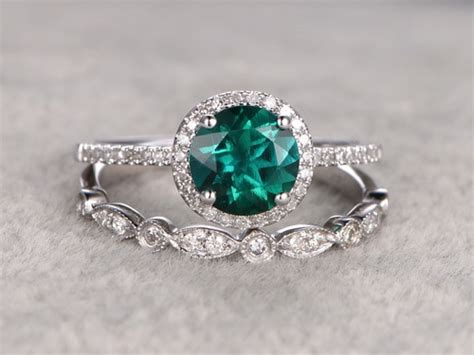 carat  emerald engagement ring set diamond