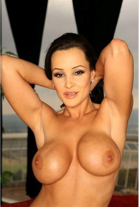 Busty Milf Pornstar Lisa Ann Naked and Posing - Pichunter