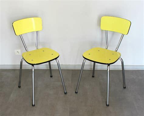 table de cuisine formica 2 chaises formica vintage jaune le vintage dans la peau