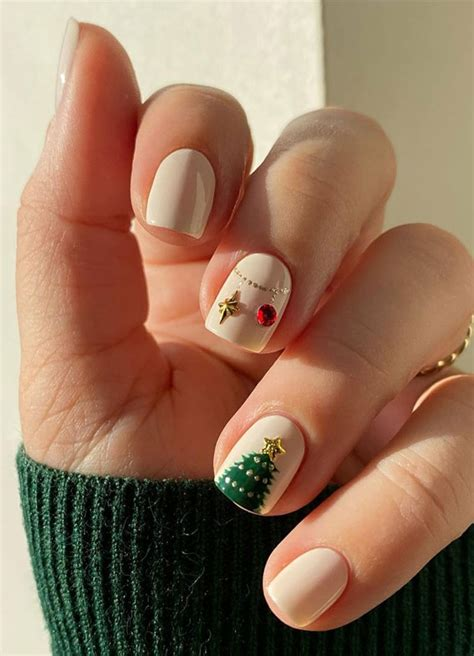 0 december 10, 2020 continue reading. Pretty Festive Nail Colours & Designs 2020 : Christmas tree nails