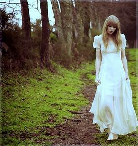 taylor swift, girl, hair, natural - image #523571 on Favim.com