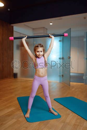 girl  exercises   abs  home plank