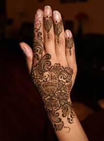 Latest Mehndi Designs | Female OKE Tips, Beauty Tips