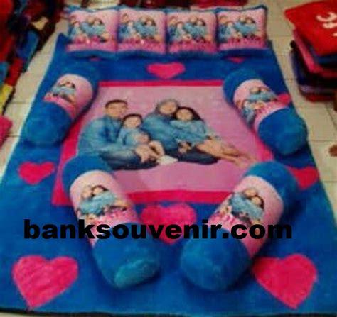 Karpet Karakter 5 Bantal karpet karakter family bank souvenir