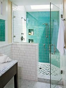 Dusche Mit Glaswand : dekoration mit farben badewanne glaswand fliesen dusche zu rot mauer badezimmer dunkelblau ~ Orissabook.com Haus und Dekorationen