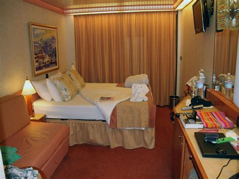 carnival cruise balcony room carnival cruise ship rooms