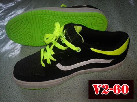 Toko Sepatu Vans V2-60