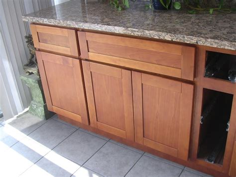 shaker doors for kitchen cabinets great cherry shaker cabinet doors with cherry shaker 7913