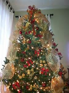 christmas tree decorated with deco mesh santa season pinterest