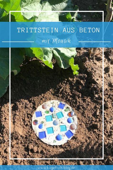 Bunte Trittsteine Fuer Den Garten Herstellen Mit Mosaik Steinchen Und Beton by Diy Trittsteine Aus Beton F 252 R Den Garten Neues Vom
