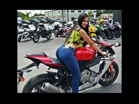 las chicas en moto  mas sobre salen en las redes