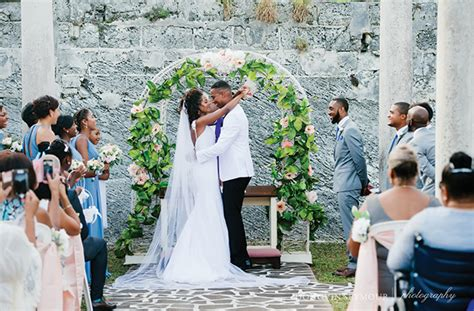 fabulous fort hamilton bermudian weddings